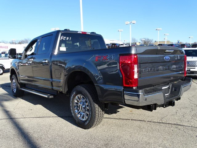 2020 F-250 Crew Cab 4x4, Pickup #F40191 - photo 4