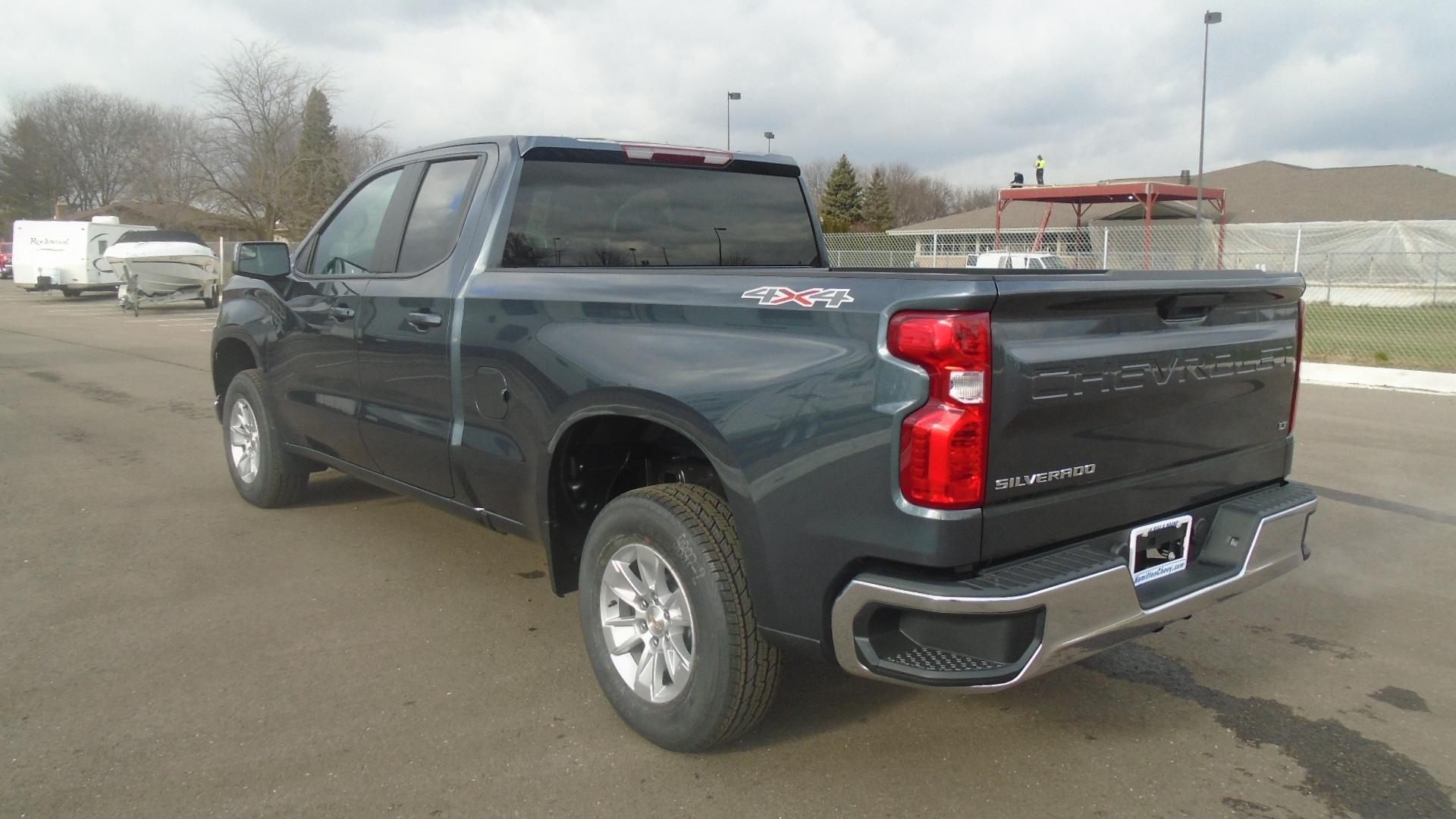 2019 Silverado 1500 Double Cab 4x4, Pickup #82289 - photo 2