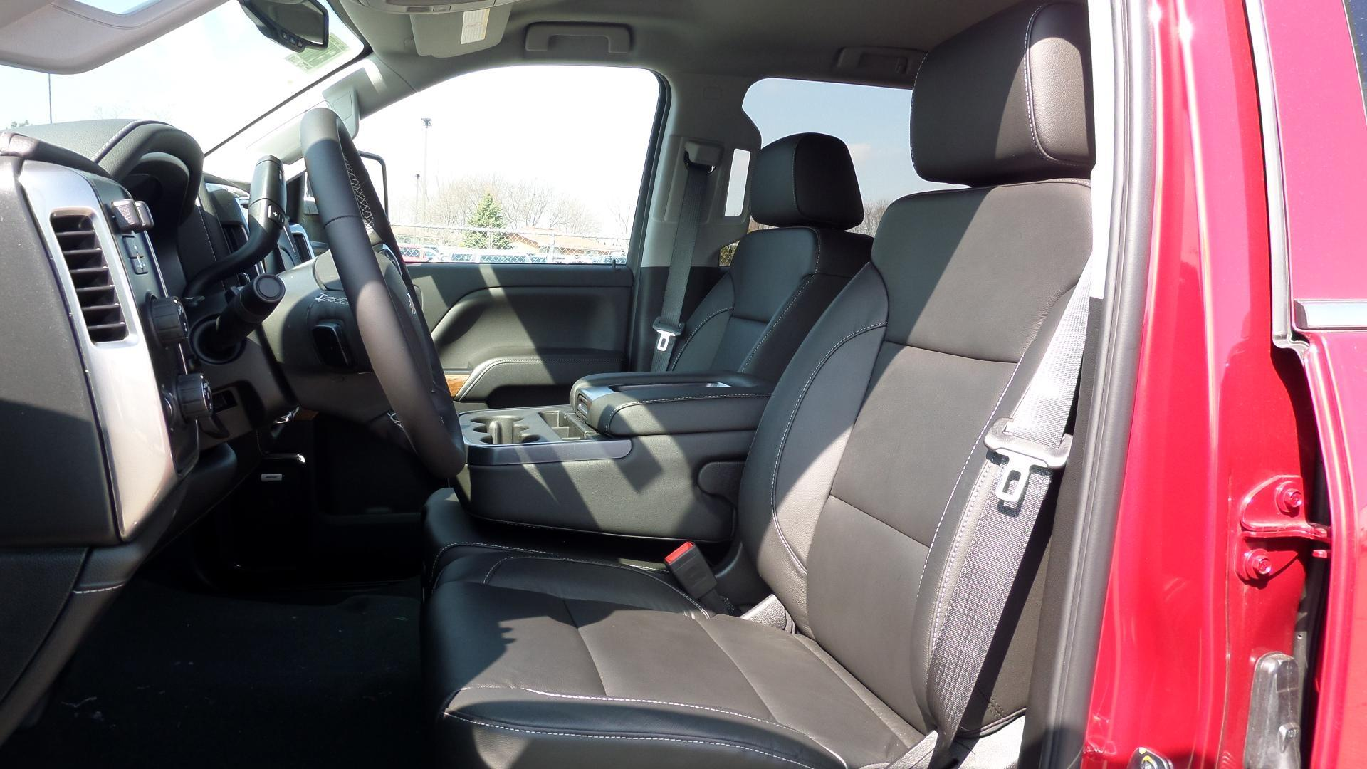 2019 Silverado 2500 Crew Cab 4x4,  Pickup #82418 - photo 3