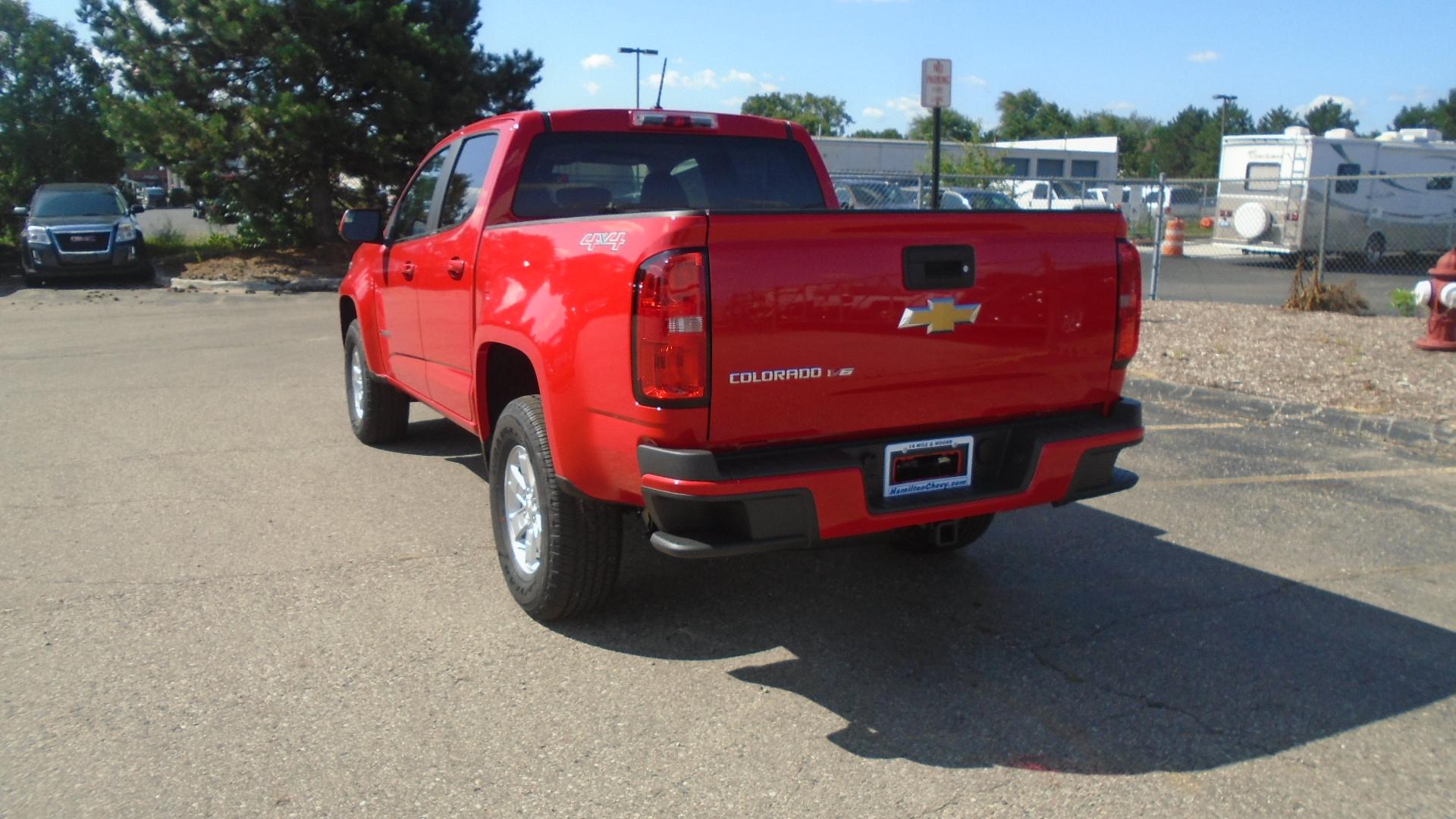 2020 Colorado Crew Cab 4x4, Pickup #85181 - photo 2