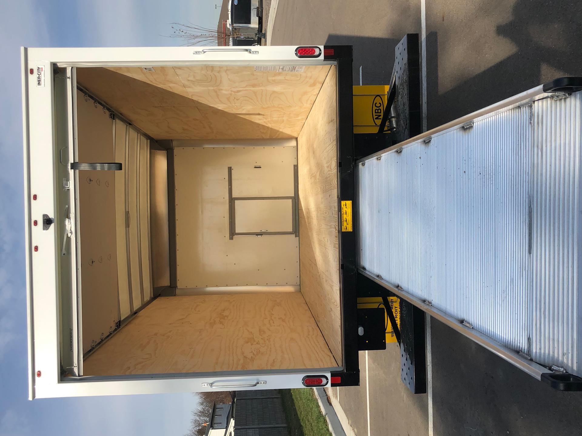 2019 Express 3500 4x2, Supreme Signature Van Dry Freight #86442 - photo 7