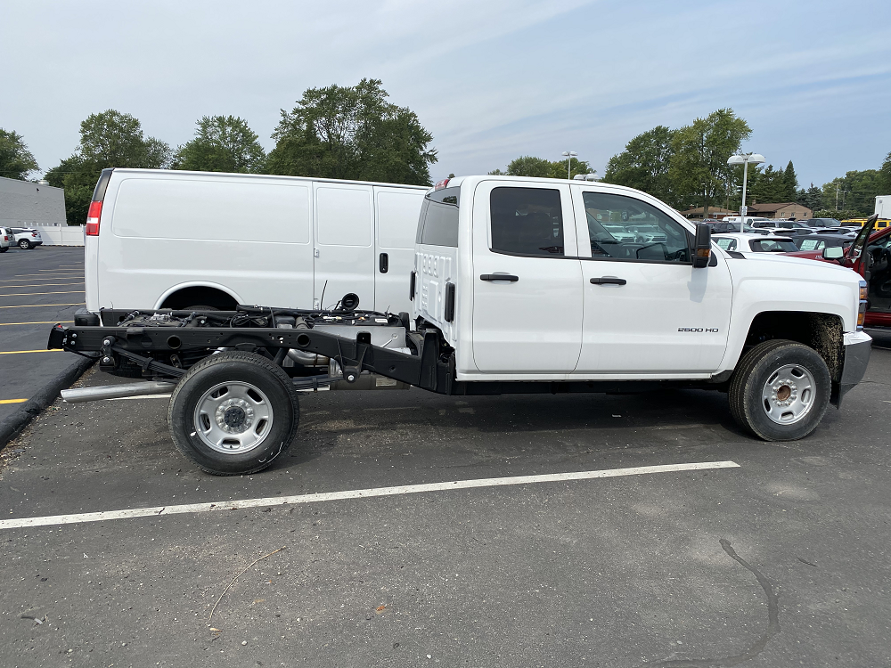 2019 Chevrolet Silverado 2500 Double Cab RWD, Cab Chassis #88193 - photo 4