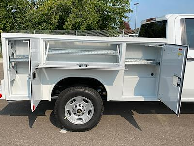 2020 Chevrolet Silverado 2500 Double Cab 4x4, Reading SL Service Body #88638 - photo 4