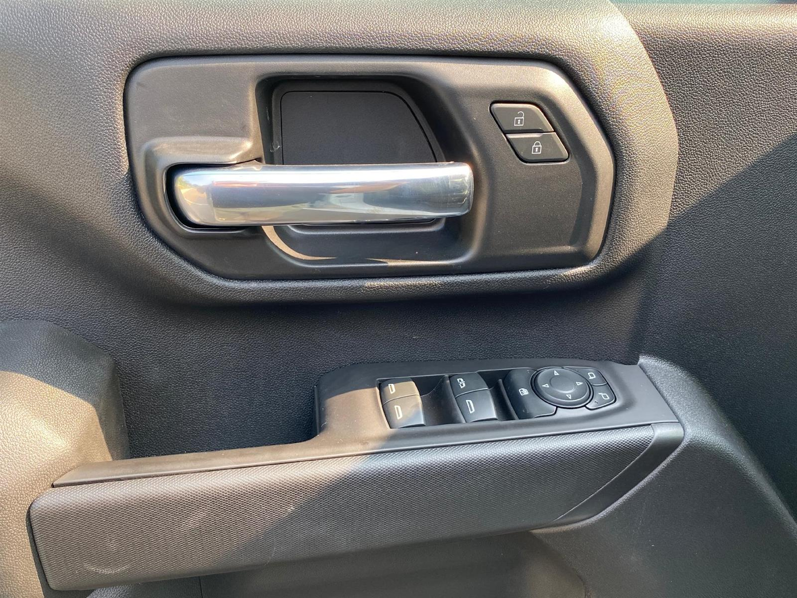 2020 Chevrolet Silverado 2500 Double Cab 4x4, Reading SL Service Body #88639 - photo 6