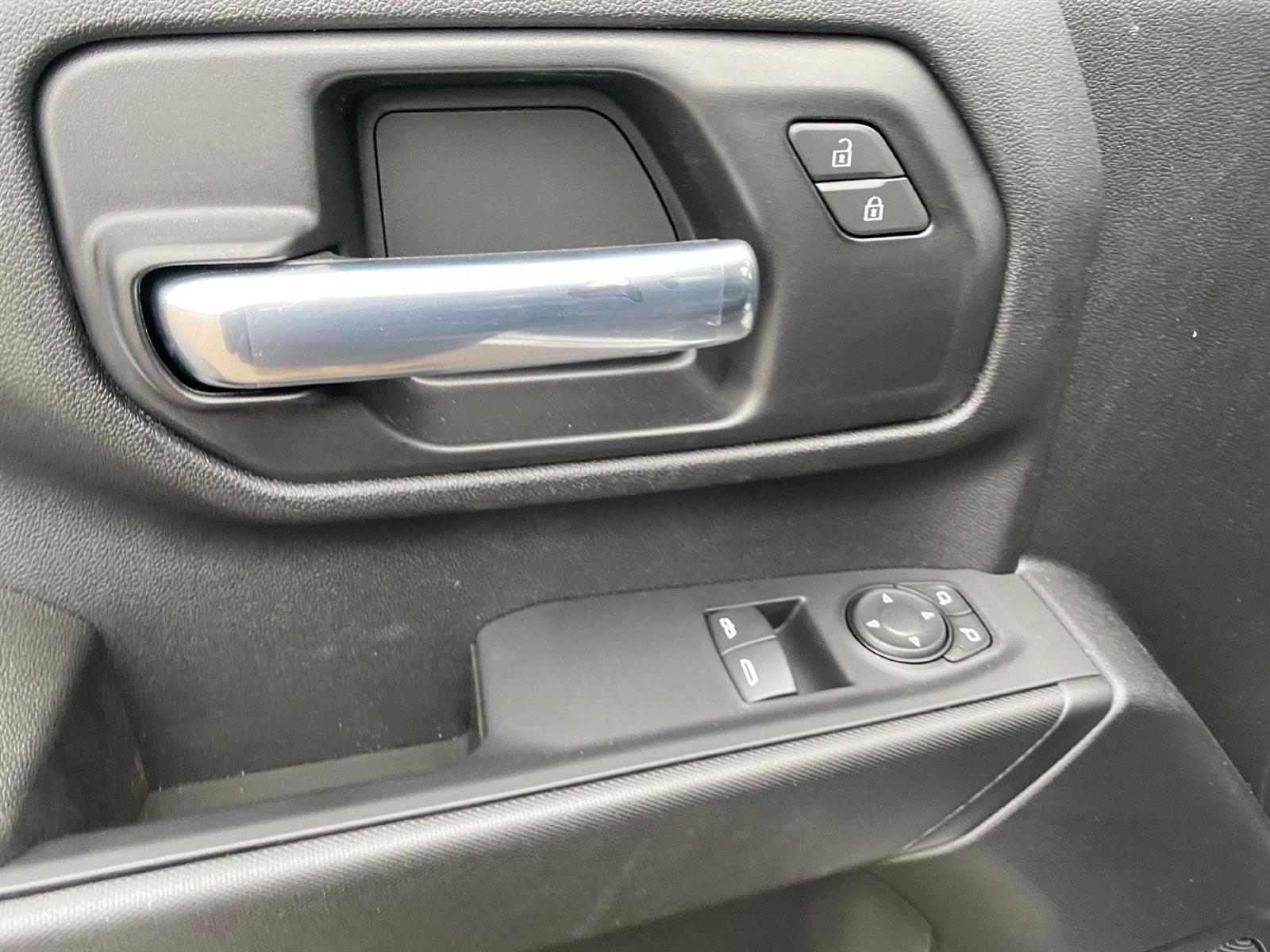 2021 Chevrolet Silverado 2500 Regular Cab 4x4, Pickup #89089 - photo 5