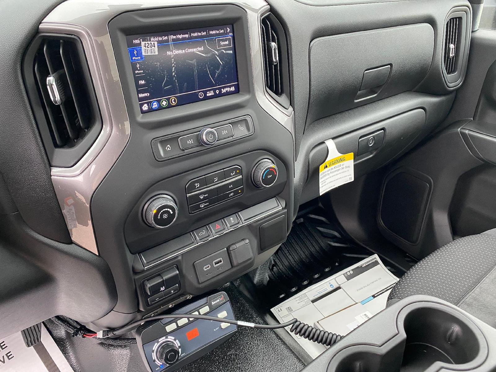 2021 Chevrolet Silverado 2500 Regular Cab 4x4, Pickup #89089 - photo 8