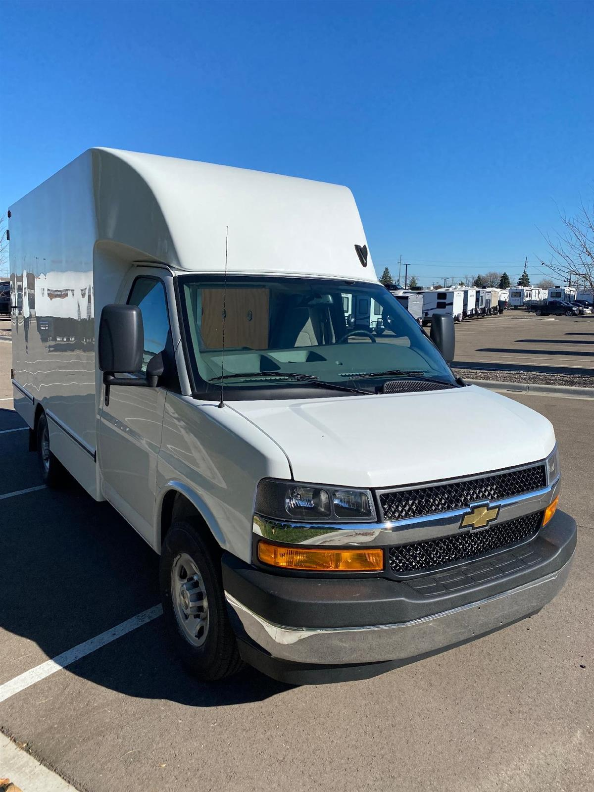 2020 Chevrolet Express 3500 4x2, Unicell Aerocell CW Cutaway Van #89147 - photo 1