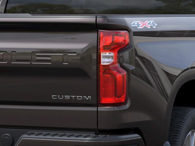 2021 Chevrolet Silverado 1500 Crew Cab 4x4, Pickup #89958 - photo 9