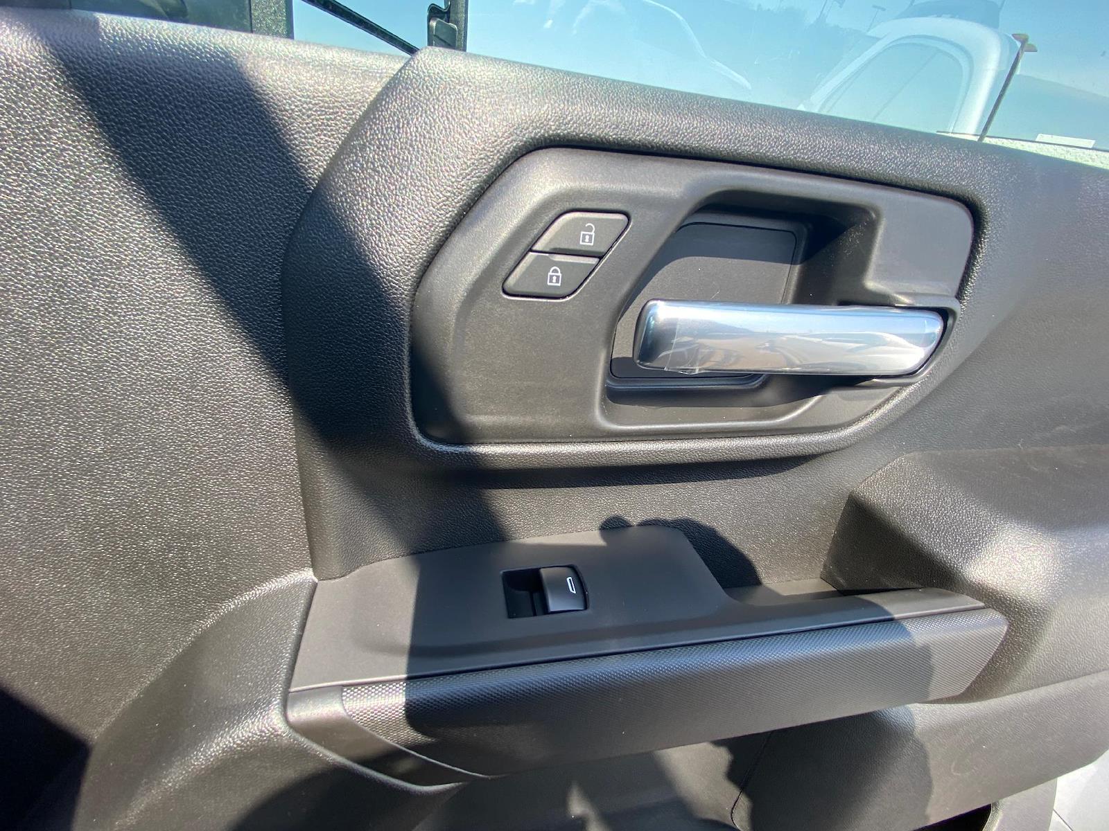 2021 Chevrolet Silverado 3500 Crew Cab 4x4, Reading Classic II Steel Service Body #A0320 - photo 8