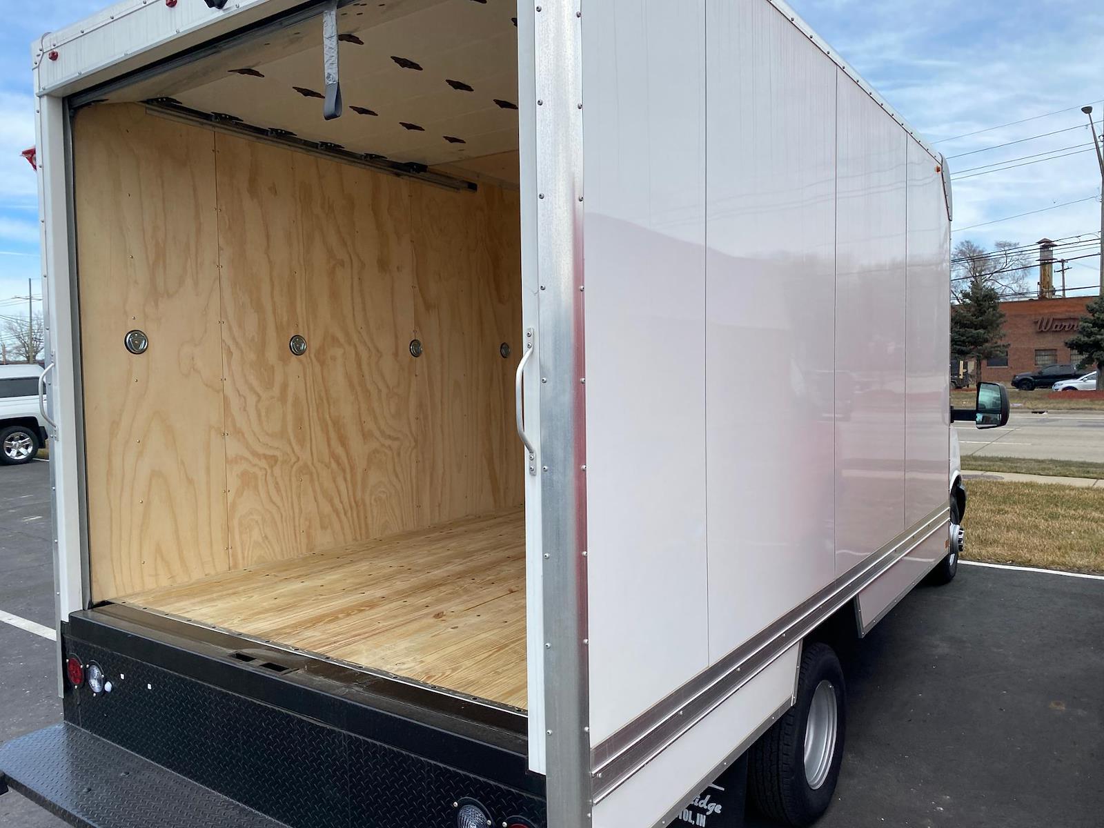 2020 Chevrolet Express 3500 4x2, Cutaway Van #A0369 - photo 3