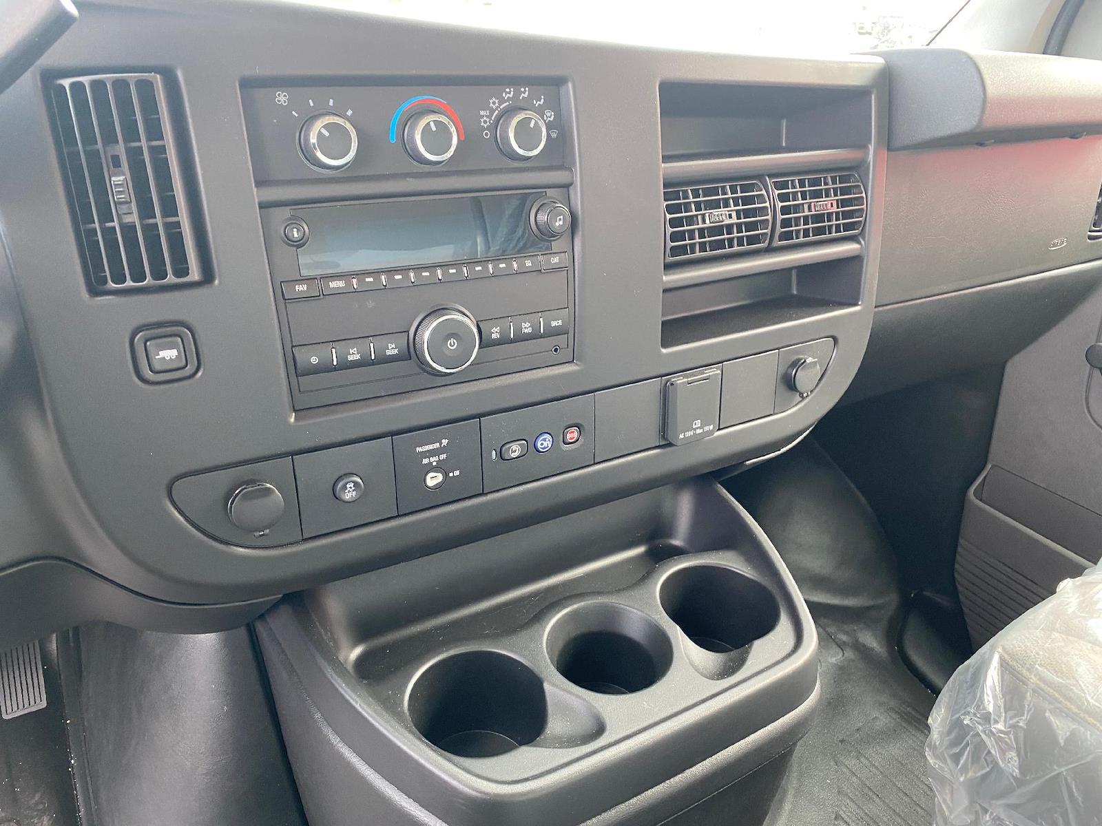 2020 Chevrolet Express 3500 4x2, Cutaway Van #A0369 - photo 7