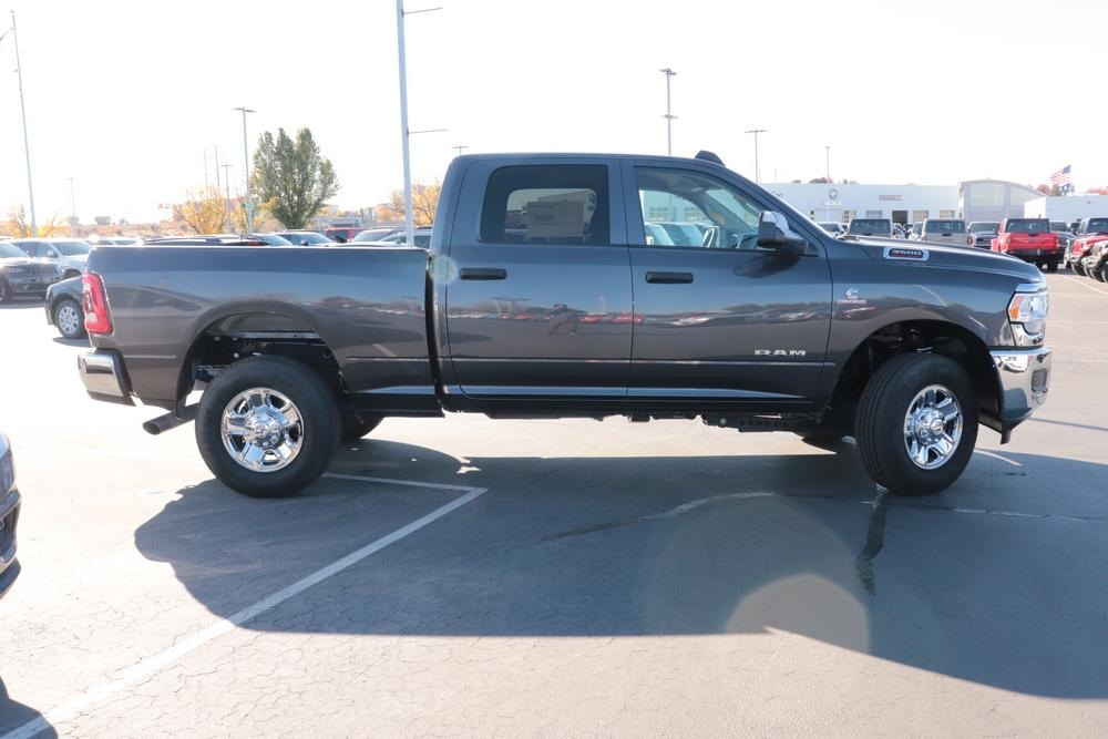 2020 Ram 3500 Crew Cab 4x4, Pickup #6200023 - photo 8