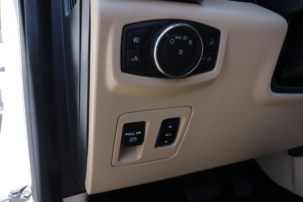 2016 Ford F-150 SuperCrew Cab 4x4, Pickup #6200066A - photo 21