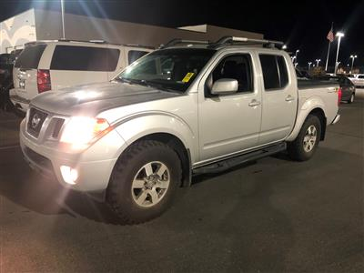 2013 Frontier Crew Cab 4x4, Pickup #620041K - photo 2