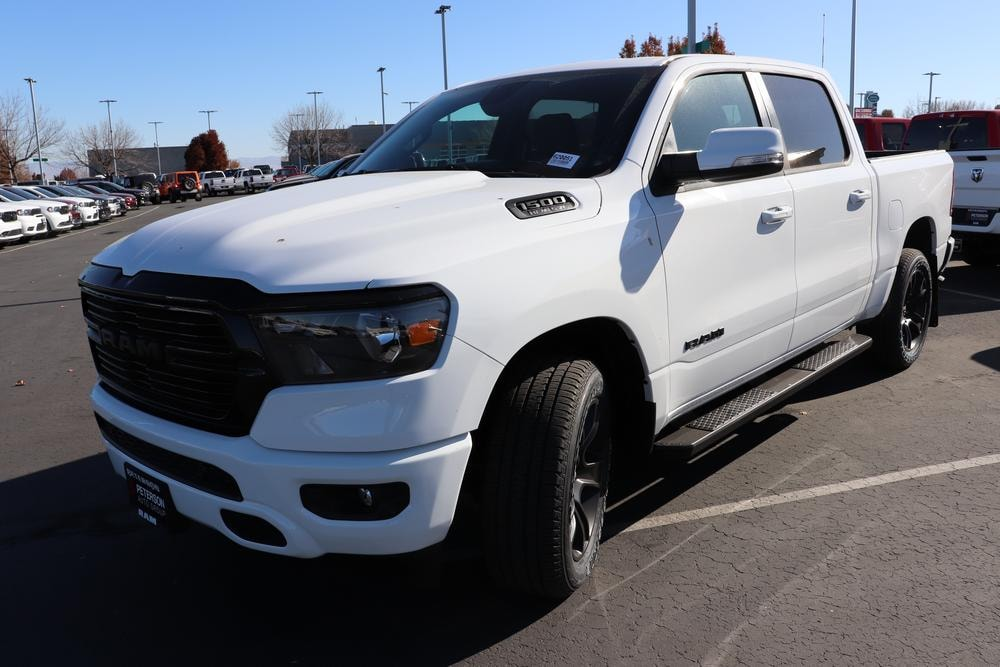 2020 Ram 1500 Crew Cab 4x4, Pickup #620051 - photo 4