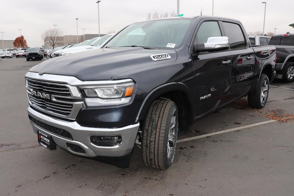 2020 Ram 1500 Crew Cab 4x4, Pickup #620078 - photo 4