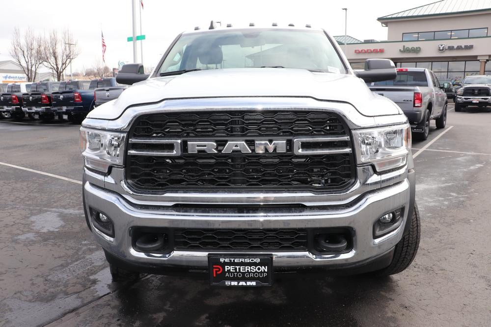 2020 Ram 5500 Regular Cab DRW 4x4, Cab Chassis #620101 - photo 3
