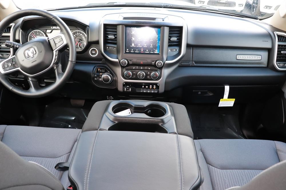 2020 Ram 1500 Crew Cab 4x4, Pickup #620116 - photo 18