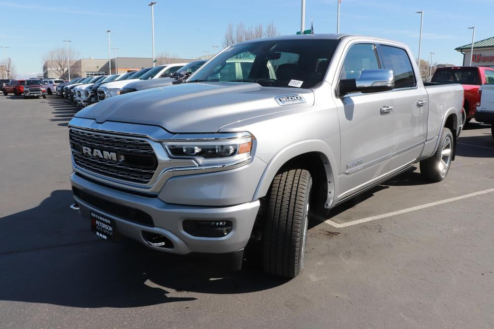2020 Ram 1500 Crew Cab 4x4, Pickup #620190 - photo 4
