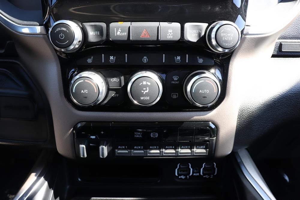 2020 Ram 3500 Crew Cab DRW 4x4, Cab Chassis #620202 - photo 25