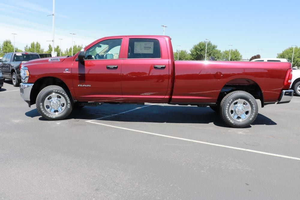 2020 Ram 2500 Crew Cab 4x4, Pickup #620463 - photo 5