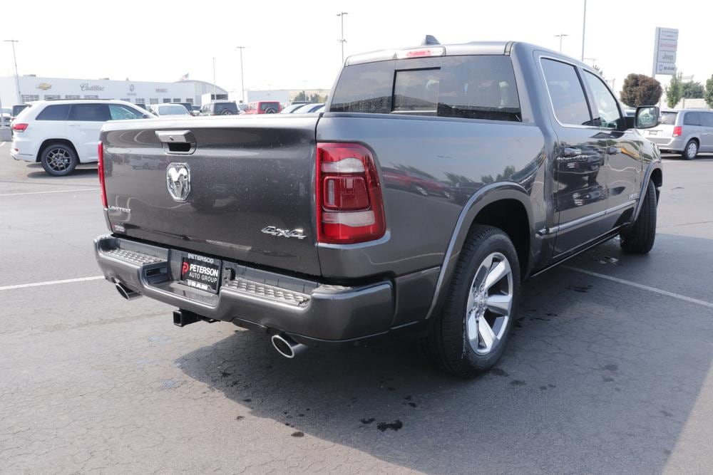 2020 Ram 1500 Crew Cab 4x4, Pickup #620546 - photo 2