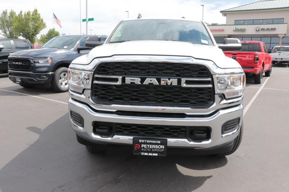 2020 Ram 3500 Crew Cab 4x4, Pickup #620611 - photo 3