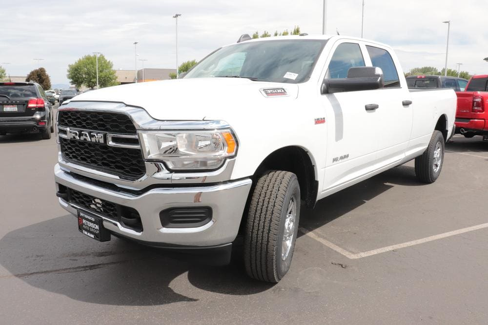 2020 Ram 3500 Crew Cab 4x4, Pickup #620611 - photo 4
