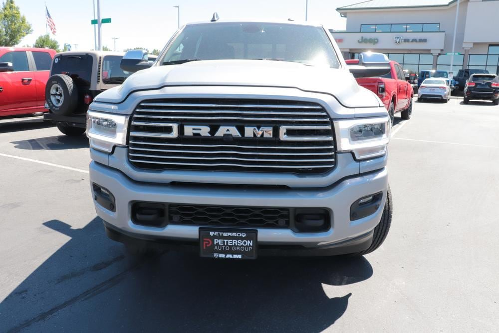 2020 Ram 3500 Crew Cab 4x4, Pickup #620616 - photo 3