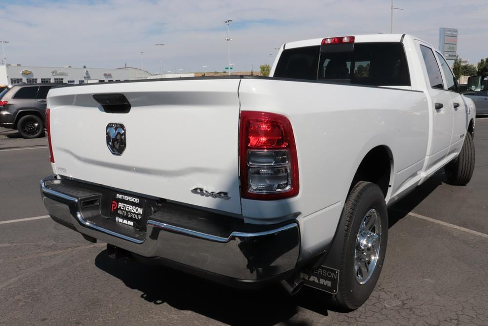 2020 Ram 3500 Crew Cab 4x4, Pickup #620663 - photo 2