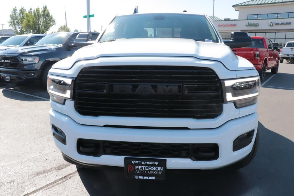 2020 Ram 3500 Crew Cab 4x4, Pickup #620703 - photo 3