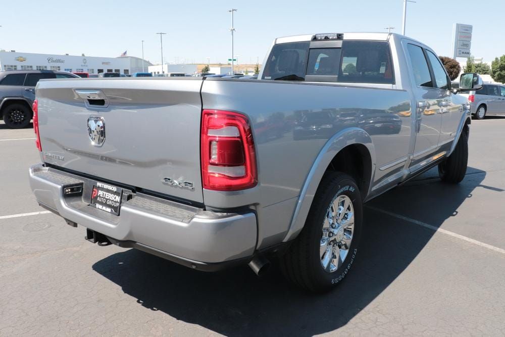 2020 Ram 3500 Crew Cab 4x4, Pickup #620755 - photo 2