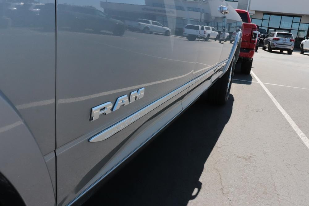 2020 Ram 3500 Crew Cab 4x4, Pickup #620755 - photo 13