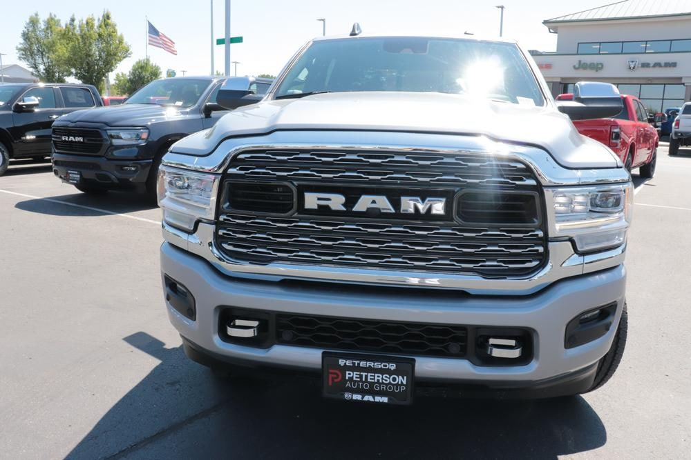 2020 Ram 3500 Crew Cab 4x4, Pickup #620755 - photo 3