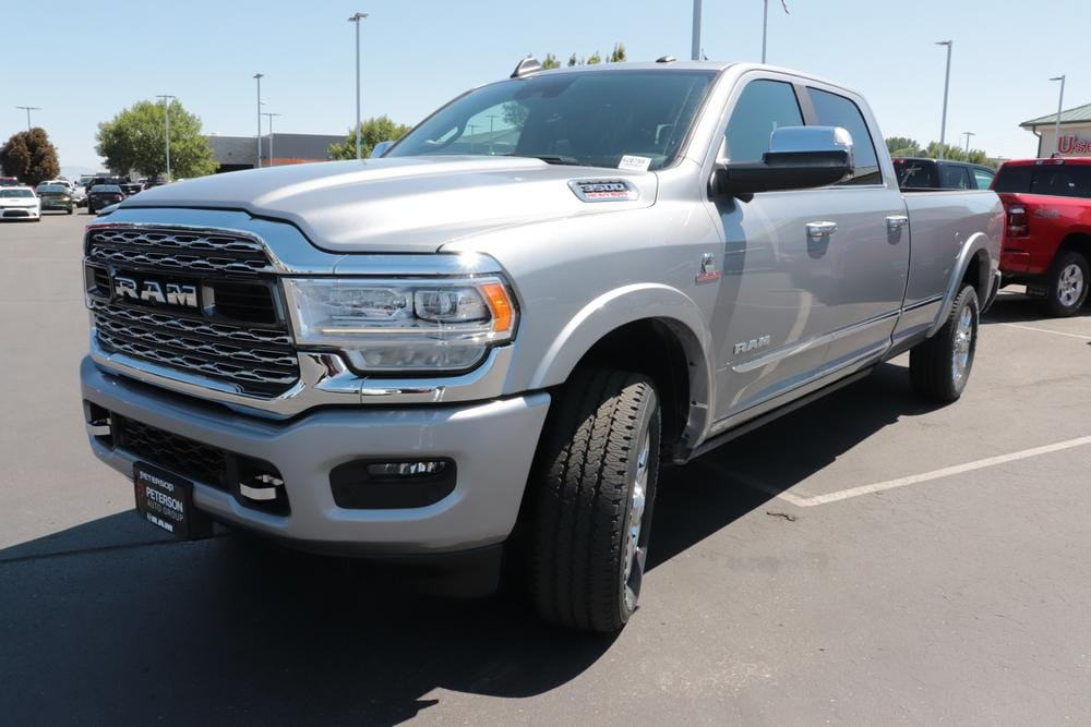 2020 Ram 3500 Crew Cab 4x4, Pickup #620755 - photo 4