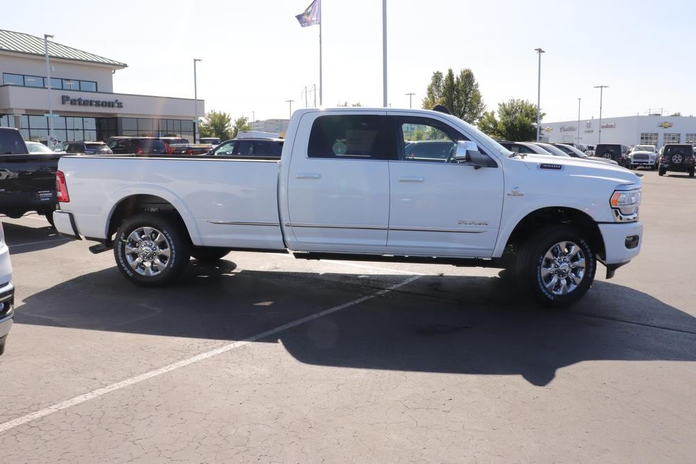 2020 Ram 3500 Crew Cab 4x4, Pickup #620768 - photo 8