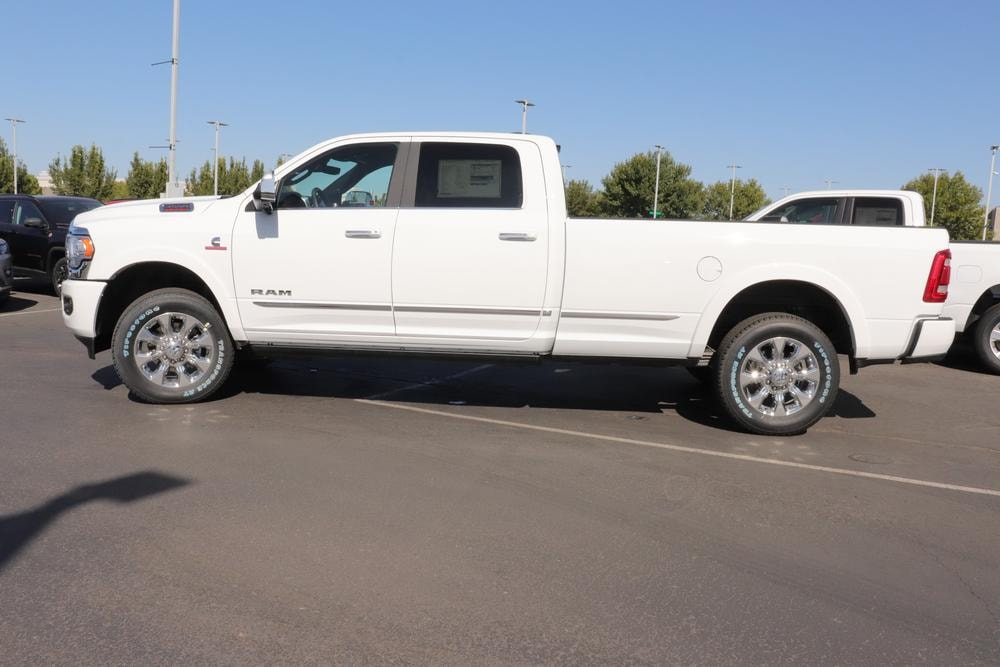2020 Ram 3500 Crew Cab 4x4, Pickup #620768 - photo 5