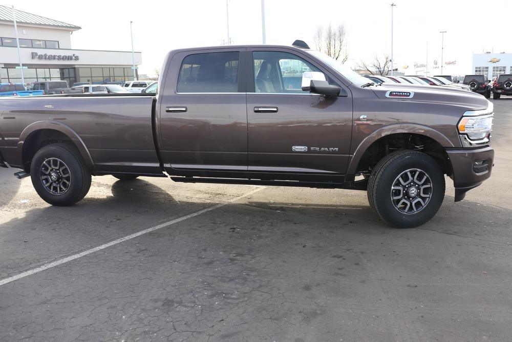 2020 Ram 3500 Crew Cab 4x4, Pickup #620775 - photo 8
