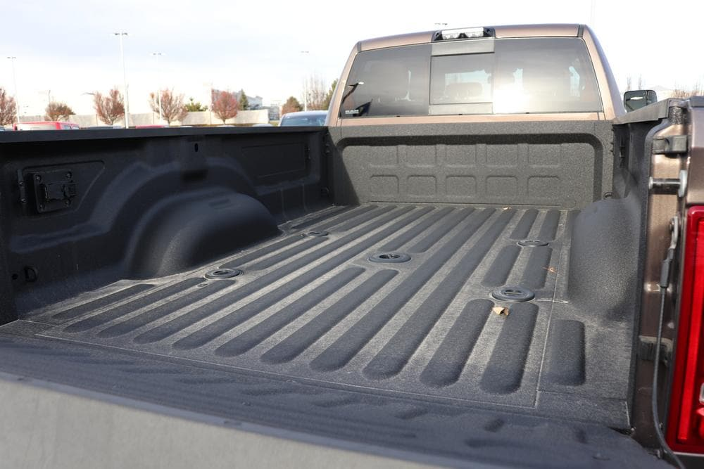 2020 Ram 3500 Crew Cab 4x4, Pickup #620775 - photo 15