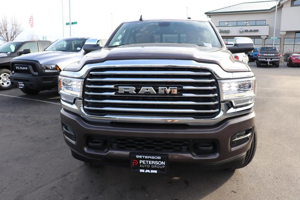 2020 Ram 3500 Crew Cab 4x4, Pickup #620775 - photo 3