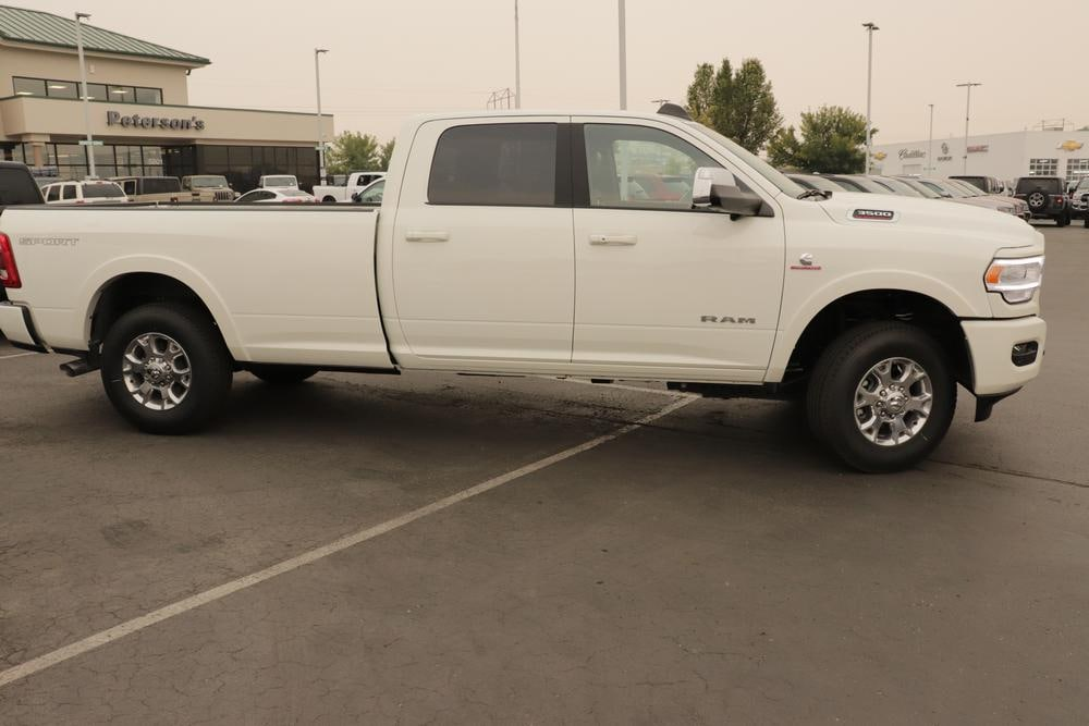2020 Ram 3500 Crew Cab 4x4, Pickup #620785 - photo 8
