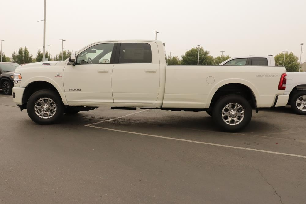 2020 Ram 3500 Crew Cab 4x4, Pickup #620785 - photo 5