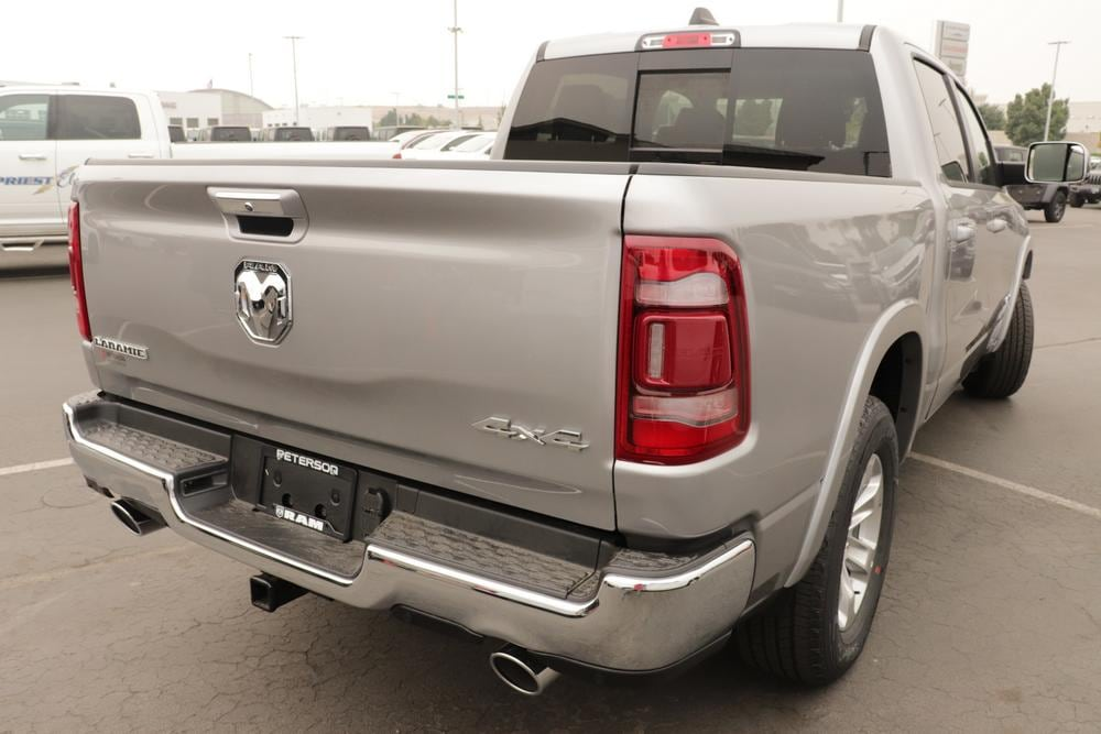 2020 Ram 1500 Crew Cab 4x4, Pickup #620906 - photo 2