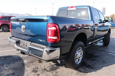 2020 Ram 3500 Crew Cab 4x4, Pickup #620949 - photo 2