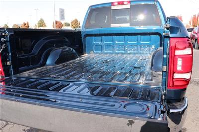2020 Ram 3500 Crew Cab 4x4, Pickup #620949 - photo 13