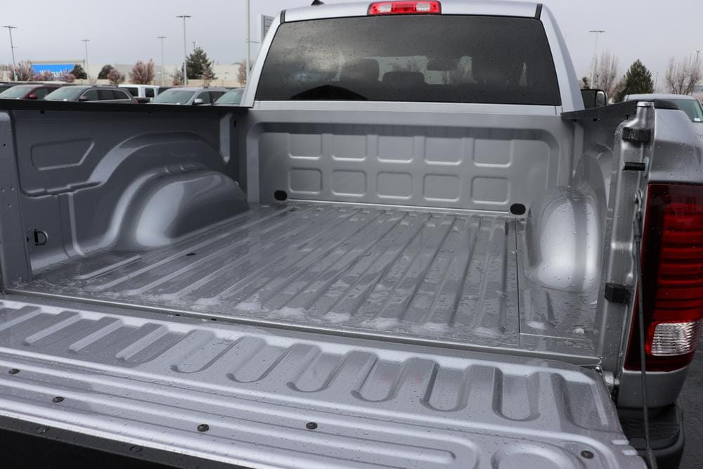 2021 Ram 1500 Crew Cab 4x4, Pickup #621085 - photo 13