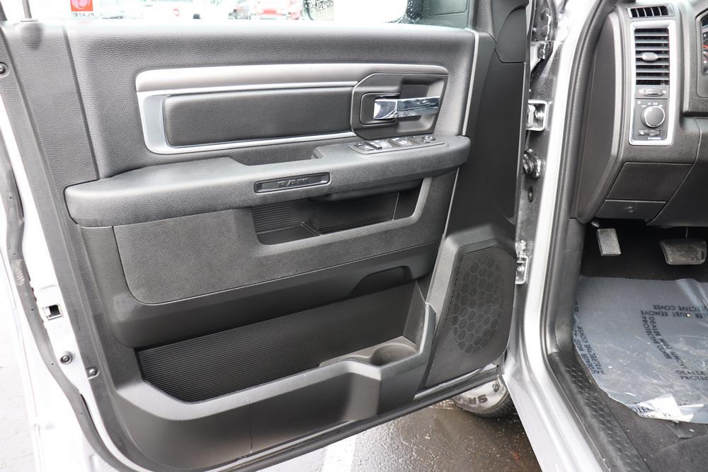 2021 Ram 1500 Crew Cab 4x4, Pickup #621085 - photo 18