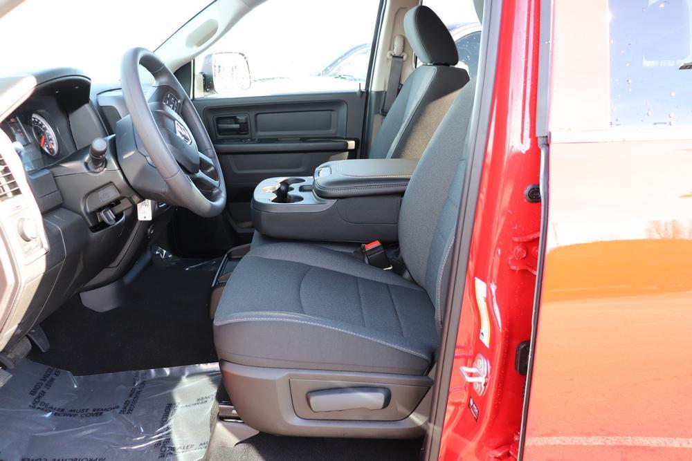 2021 Ram 1500 Classic Crew Cab 4x4, Pickup #621159 - photo 20