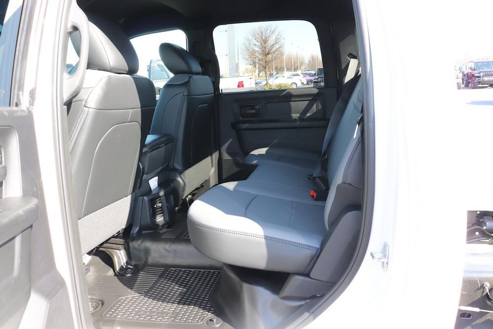 2021 Ram 3500 Crew Cab DRW 4x4, Cab Chassis #621256 - photo 14