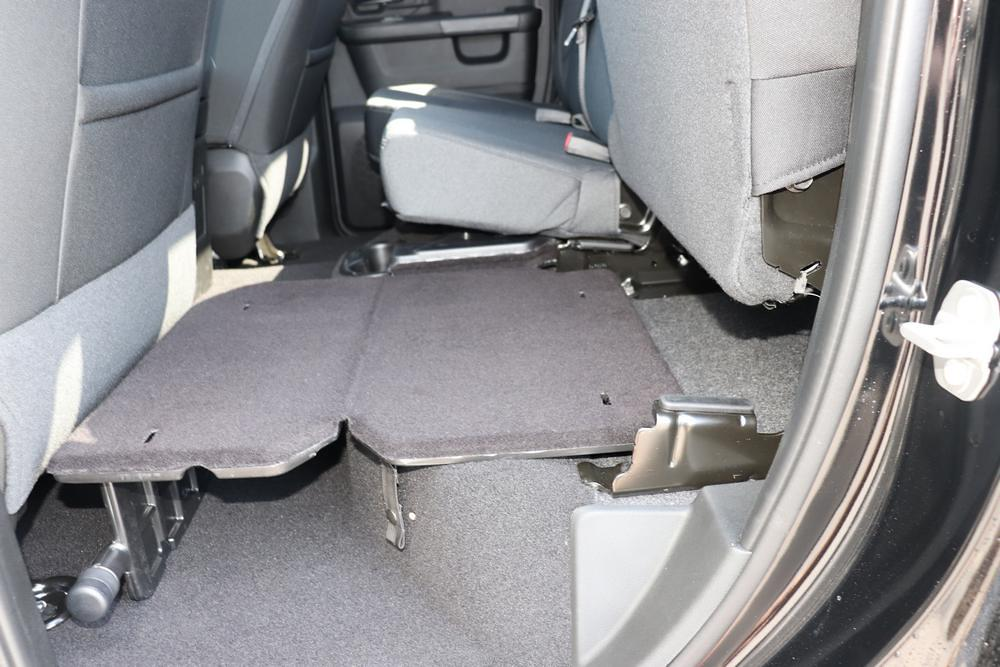 2021 Ram 1500 Quad Cab 4x4, Pickup #621298 - photo 17